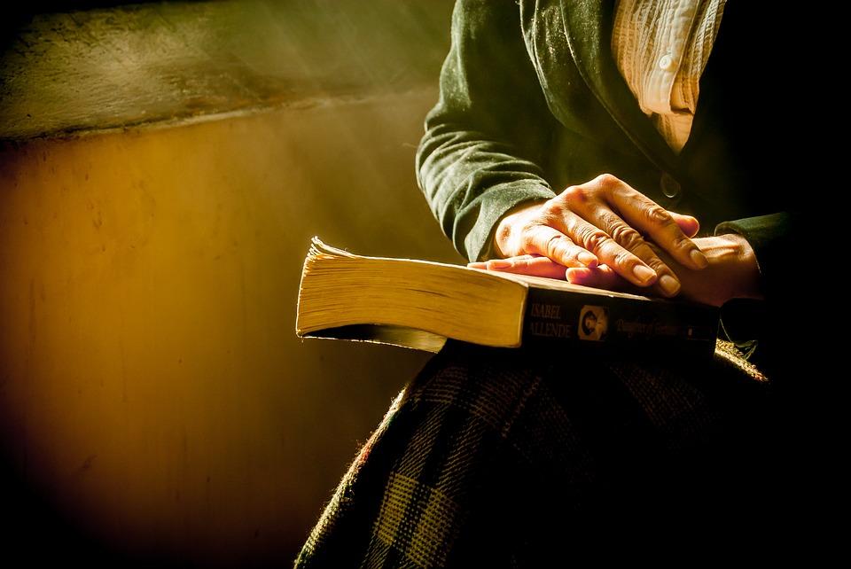 Memanfaatkan Buku-Buku Bekas Anda Secara Online