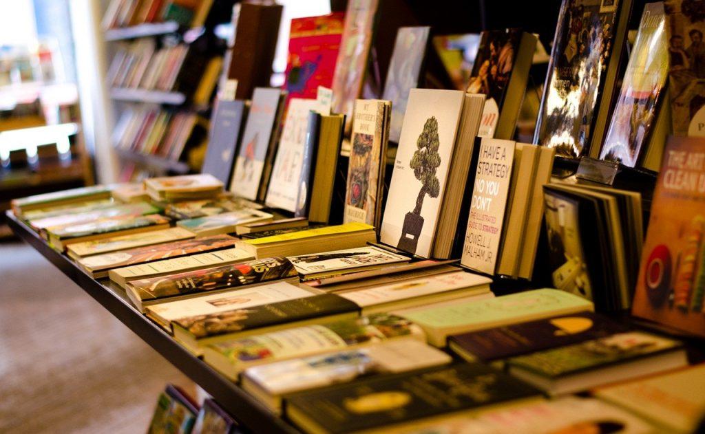 Hal-Hal yang Harus Diperhatikan Ketika Berjualan Buku Secara Online