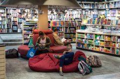 5 Kemudahan Belanja di Toko Buku Online